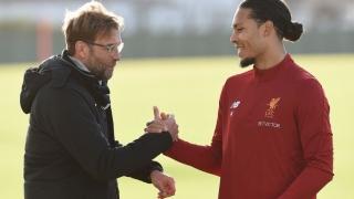 FC Liverpool l-a prezentat pe cel mai scump fundaș din lume