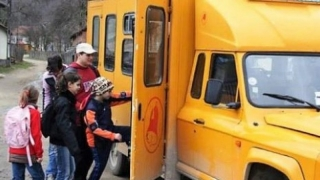 Federaţia Elevilor cere Guvernului oprirea măsurilor contra sistemului educaţional