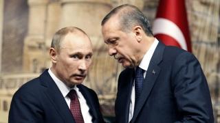 Erdogan, felicitat de Putin pentru victoria la referendum
