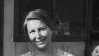 Femeia înjunghiată a murit în chinuri groaznice! Doi copii rămân fără mamă!