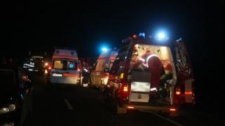 O femeie, decedată după ce maşina pe care o conducea a fost lovită de un tren