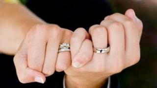 Fericirea în căsnicie ar putea depinde de predispoziţiile genetice