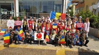 Ziua Copilului Turc, sărbătorită de trei ansambluri din România