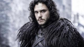 Fetelor, l-ați pierdut! Jon Snow se însoară!