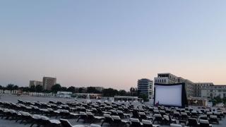 Seri de film pe plajă la Constanţa şi Mamaia