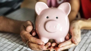 Românii pot sări dintr-un pilon (de pensii) într-altul