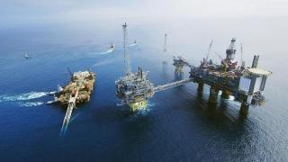 Forajul offshore s-a împotmolit în comisii