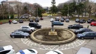 Acces restricționat în parcarea Sălii Sporturilor din Constanța