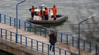 A fost localizat un fragment din fuselajul avionului prăbuşit în Marea Neagră