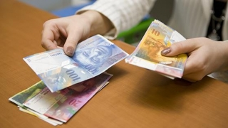 Cursul leu/franc din credite îngheață în vară!