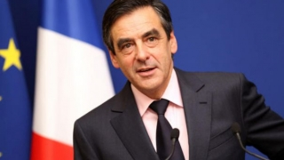 Francois Fillon a fost lovit accidental de un fotoreporter