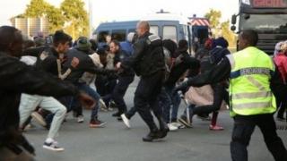 Franța și Germania, îngrijorate de măsurile luate de Trump privind refugiații
