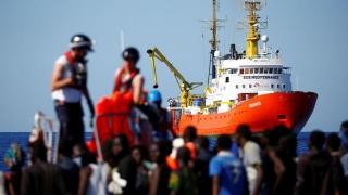 Franţa a spus NU navei umanitare Aquarius! 630 de migranţi, la voia Spaniei