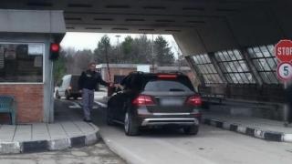 Accident cumplit în vamă! 150 km/h, un mort și un rănit grav