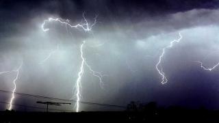 Cod portocaliu de furtună, în mai multe regiuni din Italia