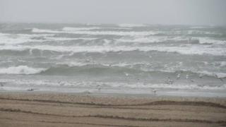 Ploi şi vânt puternic pe litoral de 1 Mai
