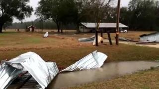 Cel puțin 18 persoane și-au pierdut viața în furtunile puternice din SUA