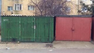 Trei noi mici parcări în Constanța, pe locul unor foste garaje
