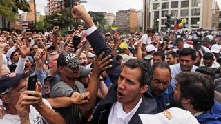 Juan Guaido, evaluat pozitiv de armată. Un general îl recunoaşte ca preşedinte