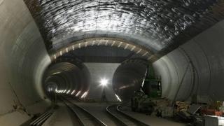 Elveția a inaugurat cel mai lung tunel de cale ferată din lume