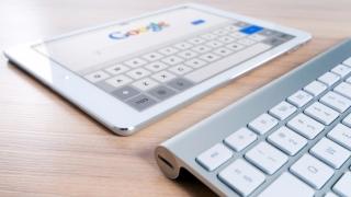 Google vrea să-și îmbunătățească motorul de căutare, cu ajutorul unei noi tehnologii de inteligență artificială