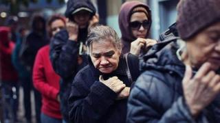 Aproape 40% dintre gospodării trăiesc în sărăcie