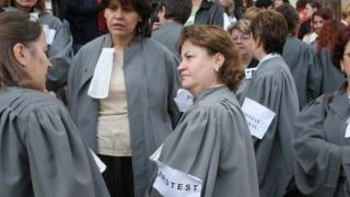 Nou protest în justiție! Grefierii ies în stradă, pe termen nelimitat