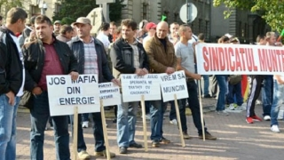 Numărul angajaţilor Complexului Energetic Oltenia care fac greva foamei s-a dublat