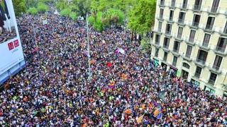 Grevă, autostrăzi și trenuri blocate în Catalonia, la apelul separatiștilor