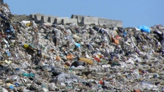 UE verifică dacă România ia măsuri pentru închiderea a zeci de gropi de gunoi