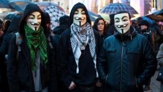 Hackerii de la Anonymous îi declară război total lui Donald Trump