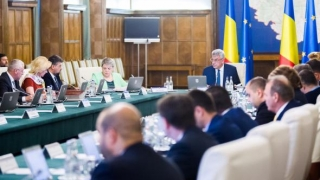 Ordin de zi pe unitate: Reducerea numărului secretarilor de stat!