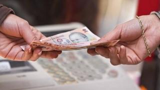Guvernul a adoptat majorarea salariului minim