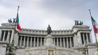 Guvernul italian, paralizat de luptele interne