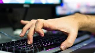 Cum îți pot afla parola piraţii cibernetici? După căldura tastelor recent atinse