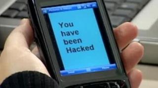 Hackerii pot accesa toate telefoanele inteligente conectate la reţelele 4G şi 5G