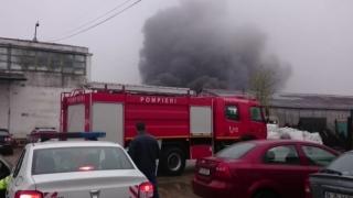 Răniți într-un incendiu, au fost ținuți două ore în camera de gardă