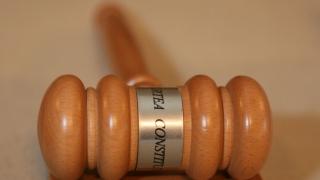 Pedeapsa cu închisoarea pentru condusul maşinii fără permis, neconstituţională