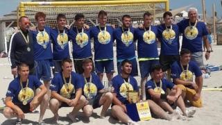 Juniorii A de la HC Dobrogea Sud şi juniorii B de la CSŞ Medgidia, campioni la handbal pe plajă