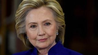Hillary Clinton consideră stranie redeschiderea investigației privind e-mailul privat