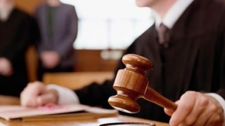 Ordonanţă de urgenţă pentru toate procesele decise de completurile nelegale de 5 judecători