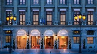 Bijuterii de peste 4 milioane de euro, furate din hotelul Ritz din Paris