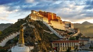 Iisus a devenit... Iisus după ce ar fi trăit 18 ani în mănăstiri şi temple din Tibet şi India