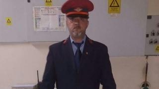 El este omul care a oprit trenul de marfă încărcat cu nitrat de amoniu