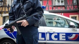 Poliția din Paris va fi echipată pentru prima dată cu arme de asalt