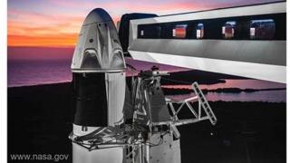 SPAŢIU - IMAGINEA SĂPTĂMÂNII: Capsula Crew Dragon, pregătiri de lansare
