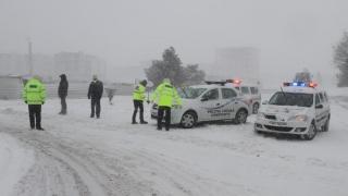 Ce drumuri naţionale închise din cauza viscolului şi a ninsorii