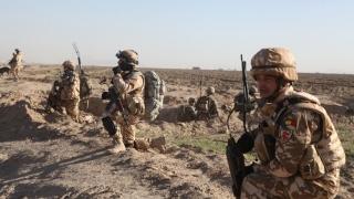 Militarii români morți în Afganistan au fost împușcați de indivizi în uniforme