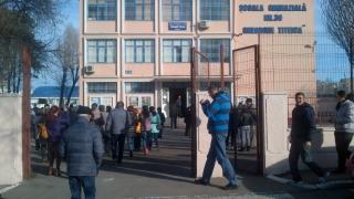 Scandal la o școală din Constanța. Profesorii amenință cu proteste