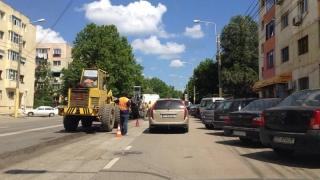 Atenție, șoferi! Ambuteiaj pe strada Soveja din cauza lucrărilor